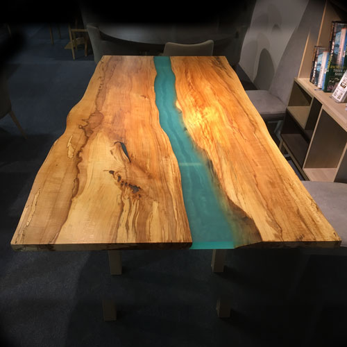 slab-finished-table-in-showroom