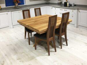 Oak-Square-Drawleaf-Extending-Table,-Single-Pedestal