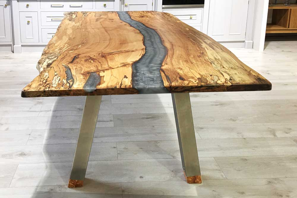 resin-silver-tables-index-images